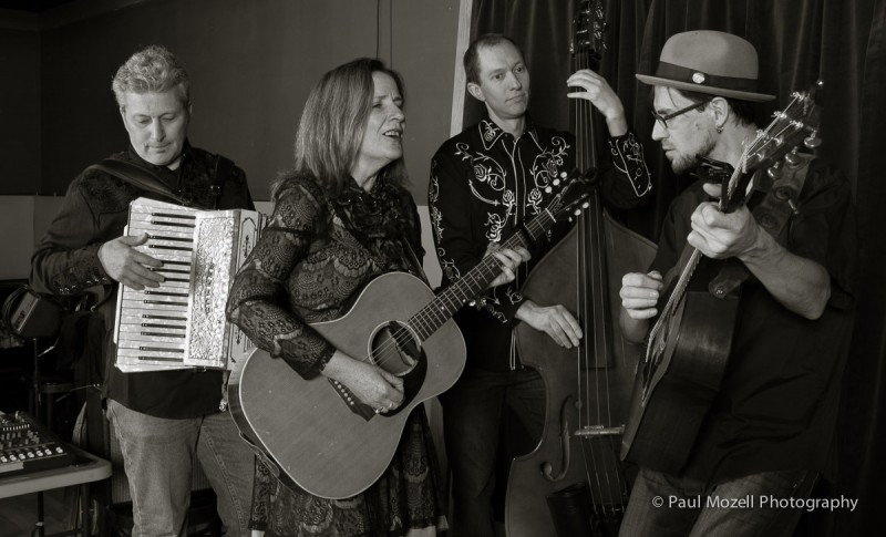 Boston area roots band Acousticana